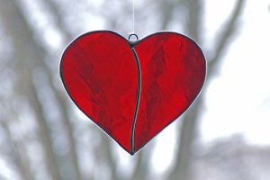 HEART How-to-Make-a-Stained-Glass-Heart